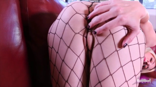 Mandy in fishnet stocking