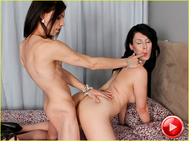 Asian finger fucks pussy hard digit in her ass - 3 1
