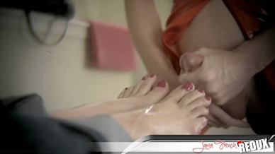 MILF TS craving for hot sperm on feets movie